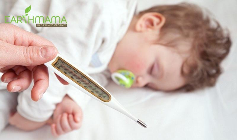 Chăm sóc bé khi sốt mọc răng