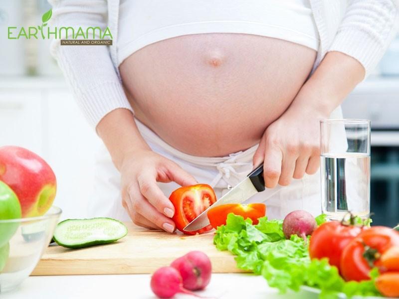 Nên có chế độ ăn uống dinh dưỡng để phòng tránh biến chứng chửa trứng
