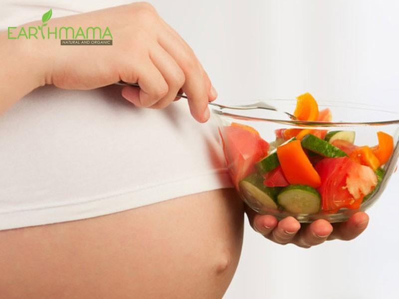 Thực phẩm nhiều chất xơ sẽ giúp mẹ đi đại tiện dễ dàng hơn