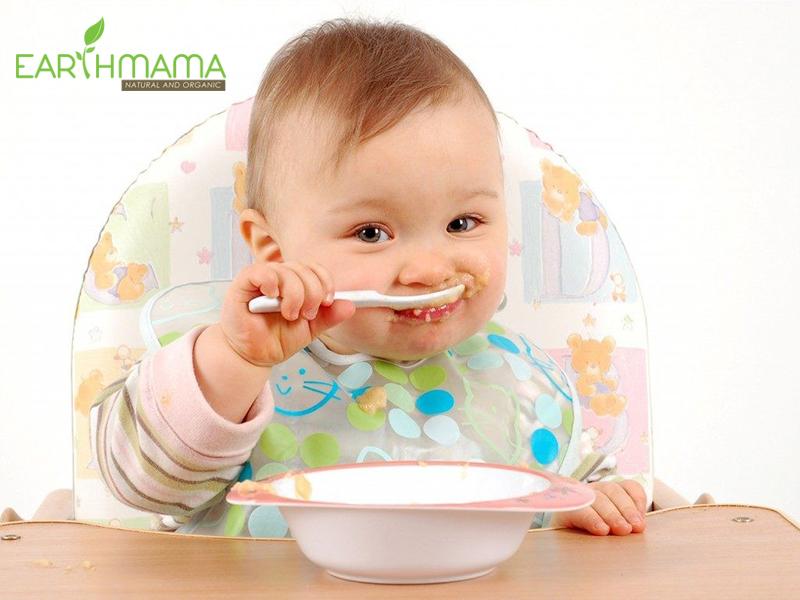 Cách nào cho bé tập ăn cơm dễ?