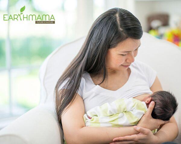 Sữa mẹ là nguồn dinh dưỡng vàng giúp bé phát triển khỏe mạnh