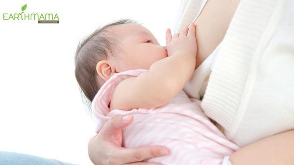 Duy trì nuôi con bằng sữa mẹ trong 6 tháng đầu đời rất quan trọng