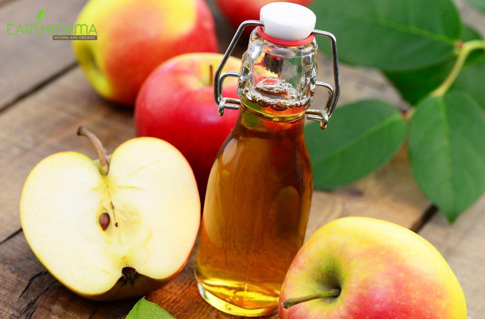 Giấm táo ngăn ngừa dầu thừa trên mặt và se khít lỗ chân lông