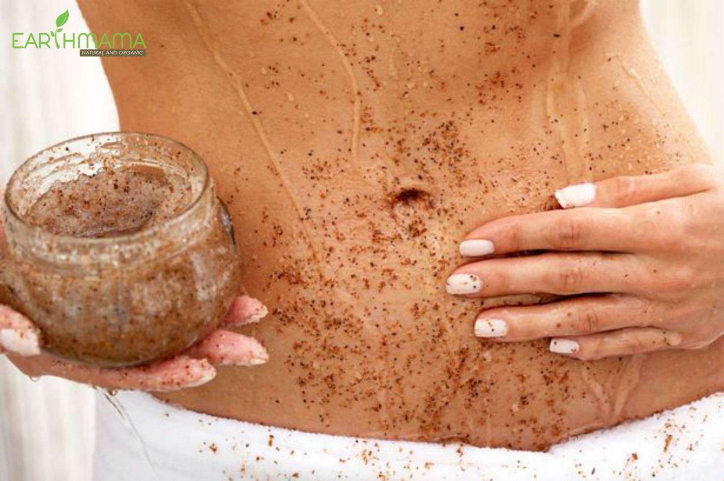 Tẩy da chết ở các vùng da bị rạn
