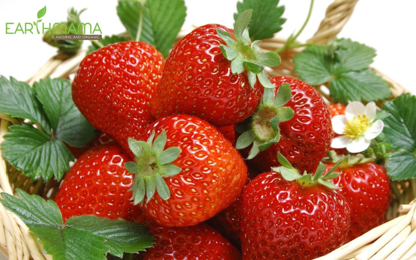 Dâu tây, mâm xôi, việt quất cũng là những loại quả có tính axit, có thể dẫn đến hăm tã
